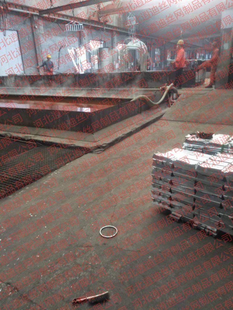 钢爬梯制作安装施工方案