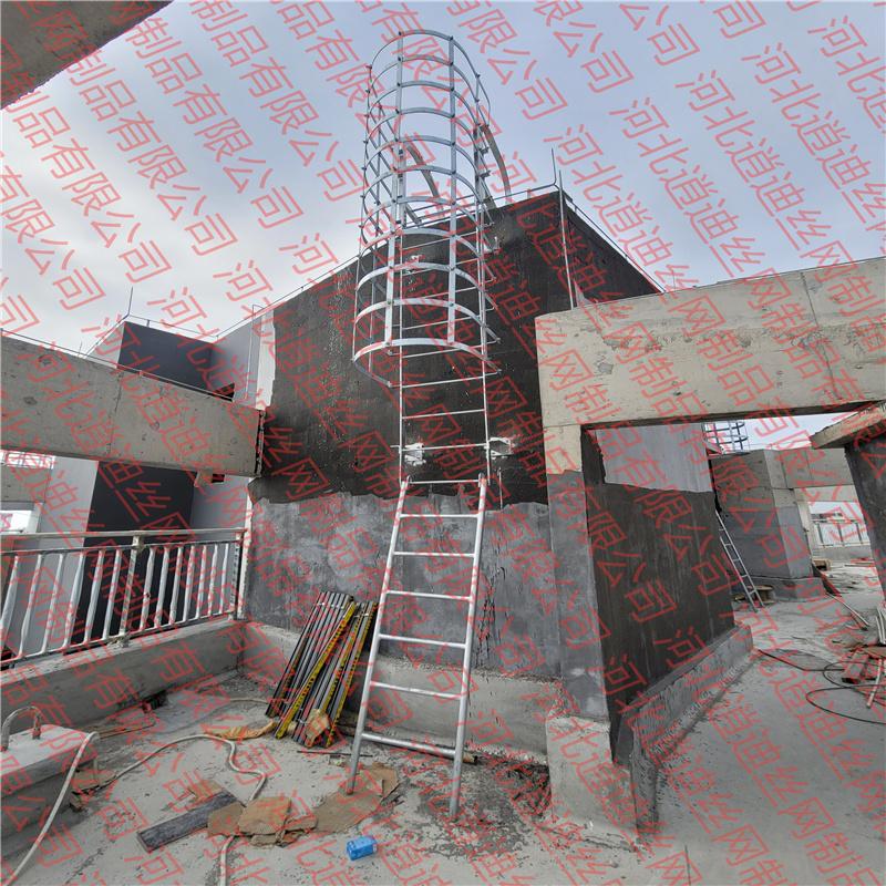 9层楼高的室外钢楼梯选用多大钢柱?